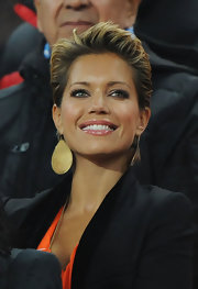 Sylvie van der Vaart was spotted at the 2010 FIFA World Cup final wearing a stylish boy cut.