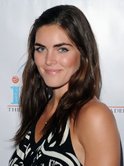 Hilary Rhoda wore a casual yet cute side-parted 'do with barely-there waves during the Institute for Civic Leadership spring benefit.