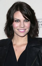 Lauren Cohan attended the Evening with 'The Walking Dead' event wearing her hair in a short wavy style.