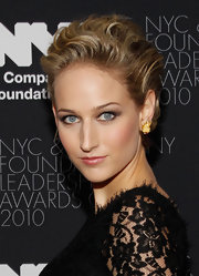 Leelee Sobieski wore an ultra-sophisticated loose updo at the NYC & Company Foundation Leadership Awards.