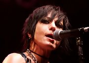 Joan Jett performed at the 2007 Consumer Electronics Show wearing her hair in a razor cut.