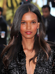 Liya Kebede looked beautiful wearing this subtly wavy, center-parted 'do at the premiere of 'On Tour.'