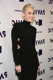 Miley Cyrus sealed off her look with a chunky diamond ring, also by Lorraine Schwartz.