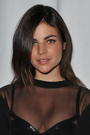 Julia Restoin-Roitfeld sported a simple yet stylish layered cut at the Givenchy fashion show.