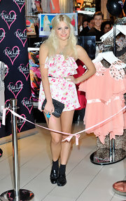 Pixie Lott launched her Lipsy range wearing a sweet floral romper from the collection.