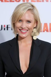 Nicky Whelan looked simply stylish with her bob at the premiere of 'Halloween II.'