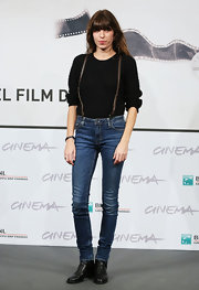 Lou Doillon showed off her long, slim legs in a pair of skinny jeans during the 'Un Enfant De Toi' photocall.