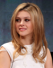 NIcola Peltz rocked an edgy-chic teased 'do with wavy ends at the 'Bates Motel' TCA panel.