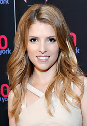 Anna Kendrick looked oh-so-pretty with her flowing waves during the Z100 special event.