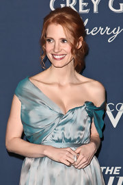 Jessica Chastain paired an elegant pearl ring with an off-the-shoulder frock for the Hollywood Reporter's Nominees' Night event.