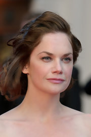 Ruth Wilson looked lovely with her short curls at the 2012 Olivier Awards.