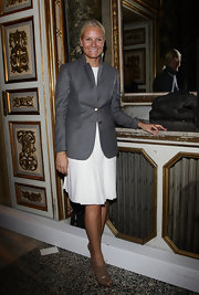 Princess Mette-Marit pulled her look together with a pair of beige peep-toe booties.