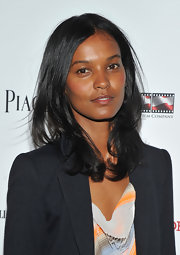 Liya Kebede opted for a casual center-parted hairstyle with wavy ends when she attended the premiere of 'The Conspirator.'