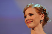 Jessica Chastain dazzled at the 'Wilde Salome' premiere wearing a pair of dangling diamond earrings by Bulgari.