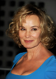 Jessica Lange wore her hair in a curled-out bob at the premiere of 'American Horror Story.'
