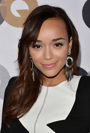 Ashley Madekwe kept her beauty look low-key with pale pink lipstick.