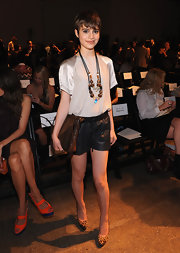 Sami Gayle finished off her outfit in edgy-fun style with a pair of black leather shorts.
