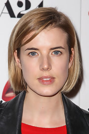 Agyness Deyn kept it youthful with this bob at the premiere of 'A Glimpse Inside the Mind of Charles Swan III.'