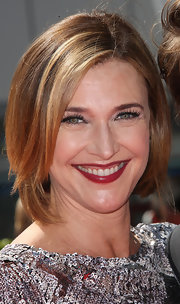 Brenda Strong kept it classic with this bob at the 2012 Creative Arts Emmy Awards.