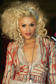 Gwen Stefani wore her hair in wild curls during the Brit Awards.