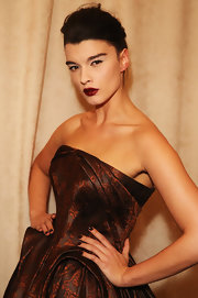 Crystal Renn matched her dress with a dark mani for the Zac Posen Fall 2013 show.