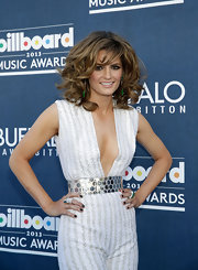 Stana Katic attended the Billboard Music Awards rocking black manicure.