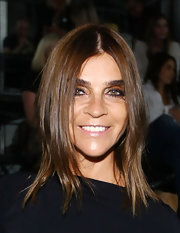 Carine Roitfeld looked trendy with her face-framing layers at the Alexander Wang fashion show.