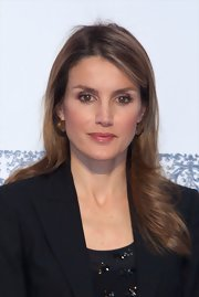Princess Letizia attended the El Barco de Vapor Literature Awards wearing her hair in a feathered flip.