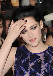 Kristen Stewart paired her sequined dress with a dark mani for the premiere of 'The Twilight Saga: Breaking Dawn – Part 1.'