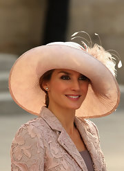 Princess Letizia was all dolled up with a fancy feather-embellished hat during the wedding of Prince Guillaume of Luxembourg.