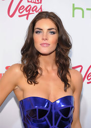 Hilary Rhoda topped off her sultry look with a smoky eye.