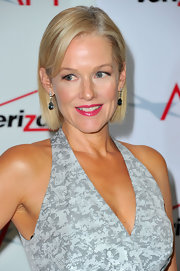 Penelope Ann Miller kept it simple with this side-parted straight cut at the 2012 AFI Awards.