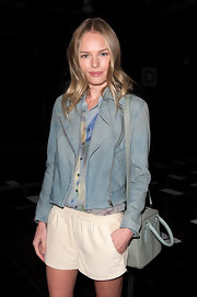 Kate Bosworth was in the mood for pastel blue during the Theyskens' Theory fashion show, as this cross-body tote and jacket combo shows.