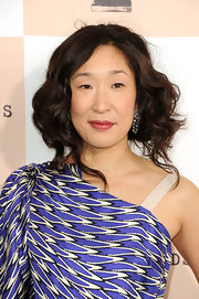 Sandra Oh was vintage-glam with her curly faux bob at the 2011 Film Independent Spirit Awards.