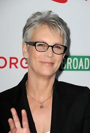Jamie Lee Curtis stuck to her signature pixie when she attended the premiere of '8.'