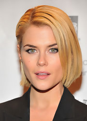 Rachael Taylor looked pretty with her half-pinned bob at the 2012 Gotham Independent Film Awards.