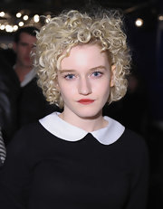 Julia Garner wore her hair in mussed-up curls at the 'Touchy Feely' and 'We Are What We Are' cast dinner.