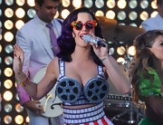 Katy Perry performed at the premiere of 'Katy Perry: Part of Me' wearing a pair of candy-themed shades.