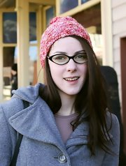 Jena Malone was spotted at the 2007 Sundance Film Festival wearing a cute pink knit beanie.