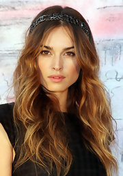 Kasia Smutniak showed off boho-glam waves at the Chanel Cruise show.