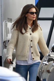 Katie Holmes looked super cool in her blade sunglasses.