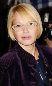 Ellen Barkin opted for a short bob when she attended the premiere of 'Five.'