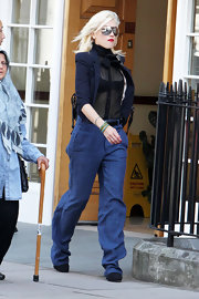 Gwen Stefani rocked a pair of high-waisted jeans while out and about in London.