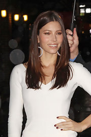 Jessica Biel wore red nail polish for a bit of color to her white outfit.