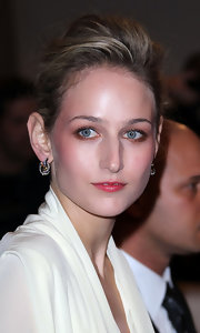 Leelee Sobieski teased her hair into a sophisticated pompadour for the Met Gala.