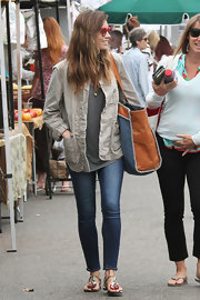 Jessica Biel was spotted at the Farmers' Market dressed down in a taupe utility jacket and skinny jeans.