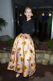 Leelee Sobieski looked vintage-glam in a voluminous floral skirt by Christian Dior at the Sidaction Gala.