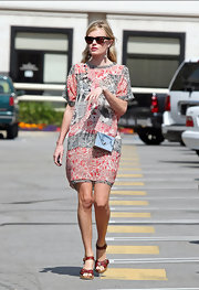 Kate Bosworth looked very summery in her Isabel Marant wedges and print dress while visiting an office building in LA.