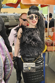 Lady Gaga completed her all-black look with a pair of leather gloves.