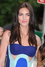 Hilary Rhoda could certainly wear the simplest of hairstyles and still look stunning!